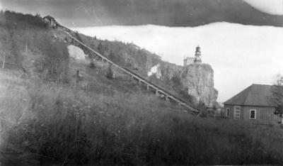 Split Rock Tramway with View of Lighthouse (1920)